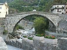 File Pont Martin Ponte Dscf8379 Jpg Wikimedia Commons