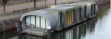 hausboot liegeplatz hamburg wohnen auf dem wasser detail magazin f 252 r architektur baudetail