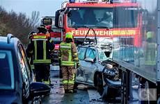 a31 unfall heute ein toter und 13 verletzte bei unfall auf a31 bei rhede