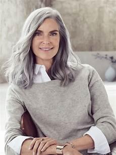 frisuren graue haare graue mittellange haare damen friseur