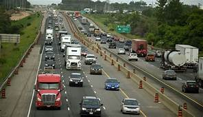 Widened Hwy 401 Will Have HOV Lanes For Taxis Electric