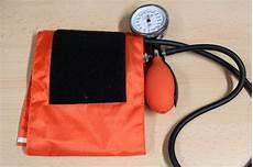 pressione alta alimentazione corretta alimentazione per la pressione alta quali cibi assumere e