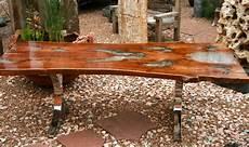 tisch aus baumstamm wurzelholz big mango