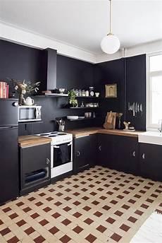 Black Kitchen - home renovation black kitchen walls