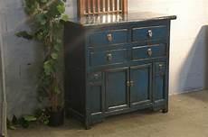 patiner un meuble ancien meuble ancien avec patine bleu moderne r 233 novation