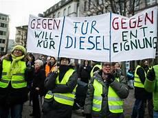 Demo Gegen Diesel Fahrverbote In Stuttgart