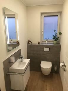 Kleines Gäste Wc Gestalten - g 228 ste wc teilgefliest mit grauen fliesen in betonoptik und