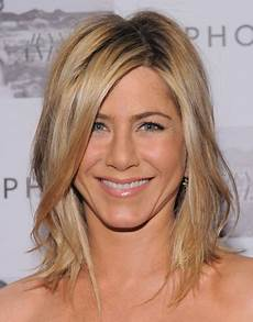 aniston medium hairstyles for popular haircuts