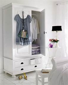 Bedroom Clothes Storage Ideas by 57 Smart Bedroom Storage Ideas Digsdigs