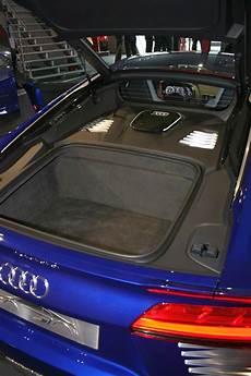 Sitzprobe Im Audi R8 E Kofferraum Statt V10
