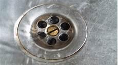 Abfluss Verstopft 8 Tipps Hausmittel Den Abfluss Zu
