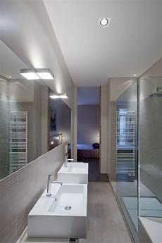 Kleines Badezimmer Schmale Duschkabine Beige Matt Fliesen