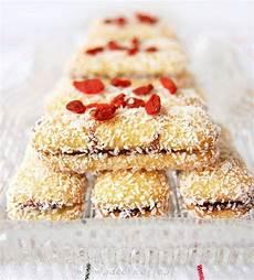 crema con farina di cocco ricetta pavesini golosi con crema di nocciole farina di cocco e bacche di goji ideericette
