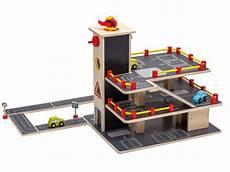 Kinder Garage by Jou 233 Co Kinder Auto Garage Parkhaus Aus Holz Mit Autos Und