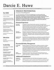 darcie huwe financial analyst resume 10 21 14