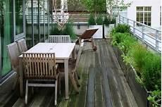 design heizkoerper funktionell und balcon schutz um sie funktionell und intim zu machen