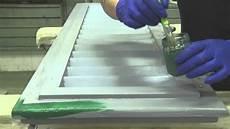 sverniciare persiane come restaurare persiana in legno verniciatura 4 4