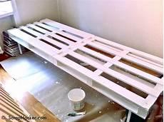 Ausziehbett Selber Bauen - simple d i y pallet sofa bunk bed a 10 step tutorial