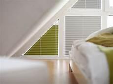 rollo für dreiecksfenster plisseerollos f 252 r giebelfenster rollomeister de