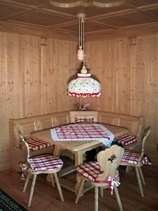 arredi tirolesi stube tirolese arredamenti di interni in legno