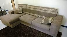 stock divani divano con penisola stock divani a prezzi scontati