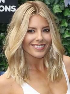 shoulder length blonde curly hair mollie king s shoulder length blonde wavy human hair lace front wig rewigs com