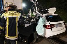 Unfall A8 Gestern - unfall auf der a8 bei kirchheim autofahrer stirbt bei