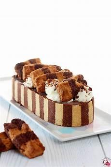 crema pasticcera con biscotti sbriciolati crostata ai biscotti ritornelli mulino bianco con frolla e crema bicolore