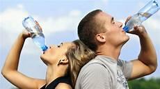 zu wenig trinken symptome zu wenig trinken symptome und folgen im 220 berblick chip