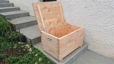 caisse pour bois de chauffage a jouets et caisse a bois de chauffage table de