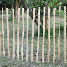 barriere jardin pas cher cl 244 ture et grillage poteau bois classe 4 castorama
