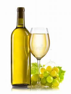 verre vin blanc verre de vin blanc avec la bouteille et les raisins m 251 rs d isolement photo stock image du