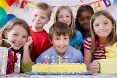 organiser une fête d anniversaire comment organiser une f 234 te d anniversaire sans aucune difficult 233 planete maman