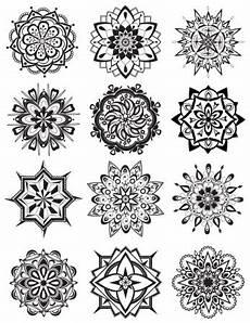 Mandala Klein - mandala coloring pages dabbles babbles