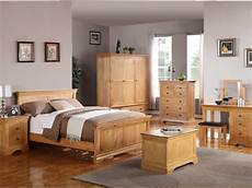 Bedroom Colour Ideas With Oak Furniture by How To Attain A Beautiful And Simplistic Bedroom With The