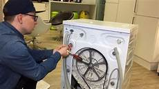 Transportsicherung Einer Waschmaschine Entfernen 5