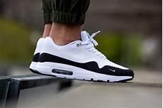 nike air max 1 ultra essential black white
