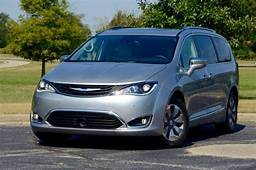 2017 Chrysler Pacifica Hybrid Plug And Play  Review By