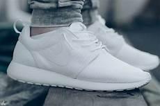 all white roshe run favourite fashion