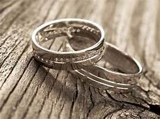 police to the rescue 5 000 wedding ring tracked down