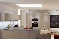 luminaire cuisine led d 233 corer votre cuisine avec un plafonnier led plat
