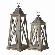 lanterne pour jardin 2 lanternes de jardin en bois effet rouille h 80 cm lignon