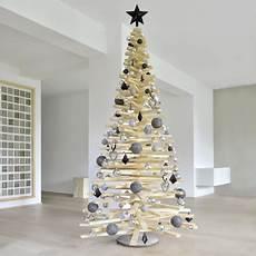 tannenbäume basteln aus holz diy weihnachtsbaum aus holzlatten weihnachtsbaum