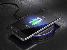 handy kabellos laden smartphone drahtlos laden wesatel