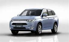 Mitsubishi Outlander In Hybrid Auto Shows Car And