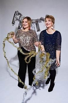 festliche mode f 252 r gro 223 e gr 246 223 en und mollige weihnachten