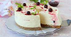 cheesecake crema pasticcera cheesecake con crema e amarene con crema pasticcera dolce freddo dolci dolci freddi e pasticceria