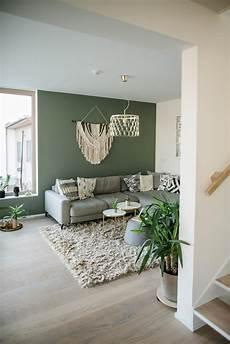 Wohnzimmer Mit Gr 252 Ner Wandfarbe In 2019 Einrichten Im