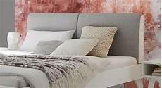 Bett Skandinavischer Stil - wei 223 es bett im skandinavischen stil mit polsterkopfteil