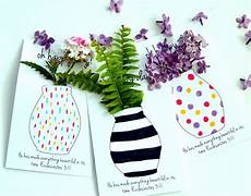 free printable flower vases that you can color for may day